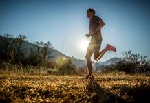 Johardt van Heerden running by Erik Vermeulen