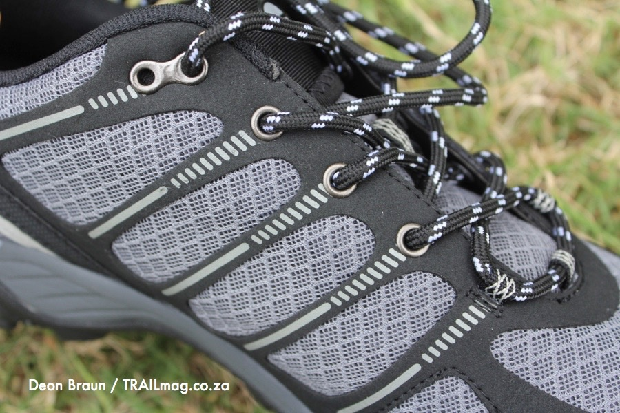 Hi-Tec Griffon shoe review laces closeup