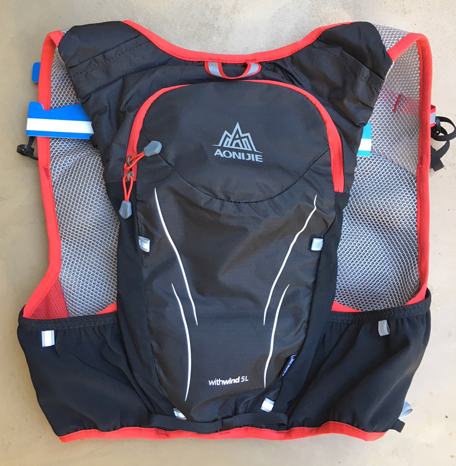 Aonijie Withwind 5L hydration vest backpack TRAIL magazine review product test flat unit outer back 900pixels
