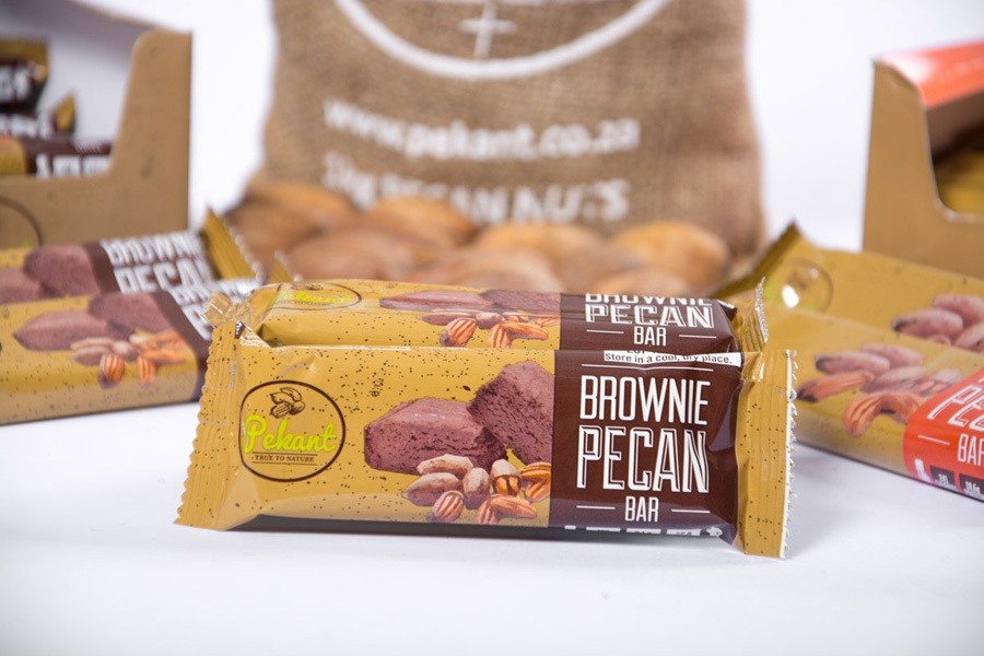 Pekant's Brownie Pecan Bar is a delicious with protein from pecan nuts and whey powder.